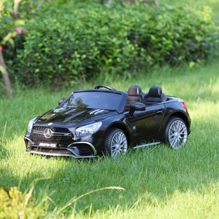 TH17R02941 FM - Ride-On Racing Car 03 -