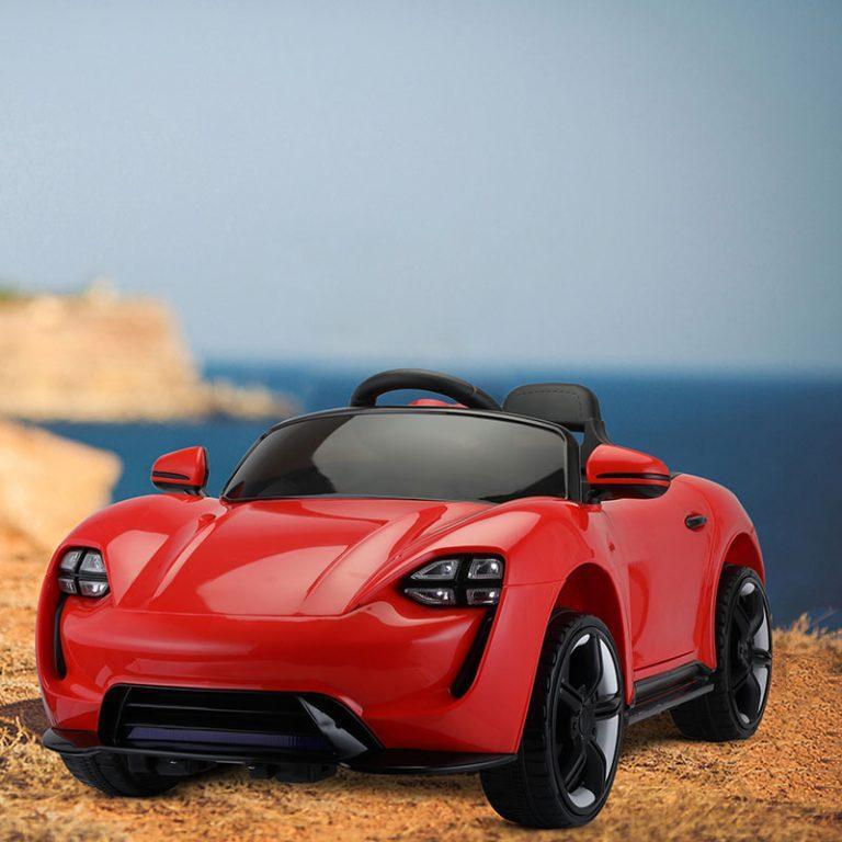 TH17X0659 FM 1 - Ride-On Racing Car 02 -