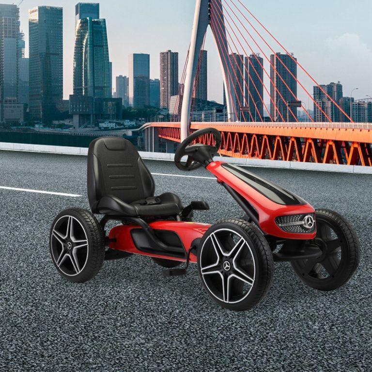 TH17Y0588 cj 2 - Ride-On Racing Car 02 -